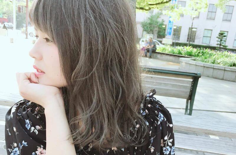 肌を白く見せる髪色②アッシュ系