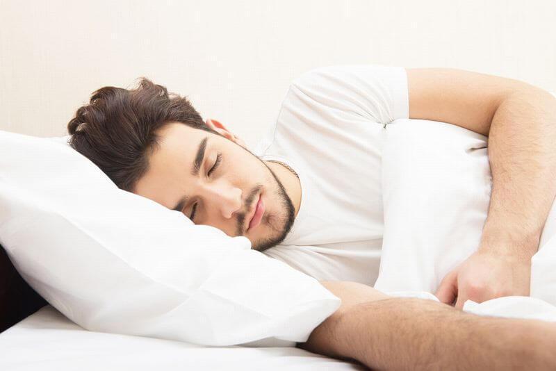 アゼ男流④【睡眠の質で皮脂顔メンズのニキビ予防】